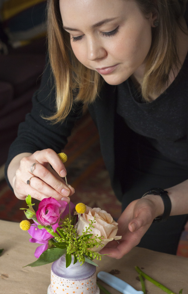 3-ways-to-style-flowers-in-bud-vases